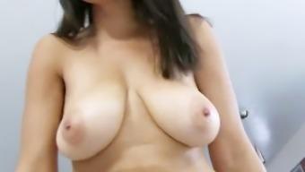 大きな乳首