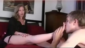 4661906 Mature Foot Fetish