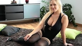 Hot Blonde Dildos Herself To Squirts Like Hell - 365cams.Net