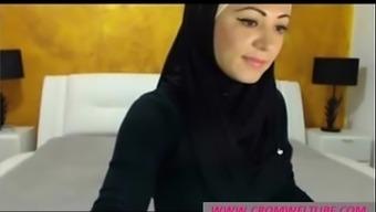 Arab Chick On Cam - Www.Cromweltube.Com