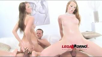 Prolapse Queen Linda Sweet Licks Cum From Timea'_s Asshole After Deep Double Anal