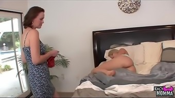 Pussylicking Stepmom Seduced Teen Beauty
