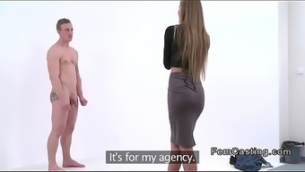 Fake Agent Snaping Naked Guy In Casting