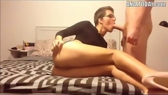 Anal Sex With Short Haired Sexy German Chick