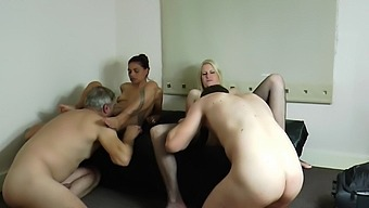 Real Hot Wive'S Fucking In Style