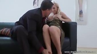 European Milf Tries Deep Anal Sex
