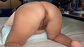 Stretching And Fisting Anal To My Stepmom. Anal Slurps, Farts And Makes Sounds. Loud Sounds From Ana