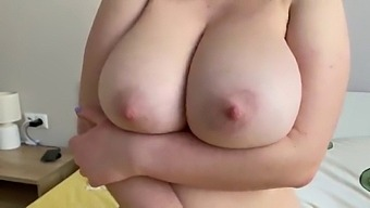 18 Year Old Curvy Teen With Huge Tits Love Fuck Doggy