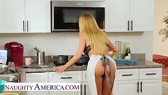 Naughty America - Bombshell Brandi Love Is Thankful For Her Husband'S Friend'S Cock