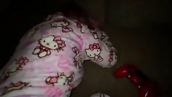 While My Parents Were Not At Home, My Stepsister In Pajamas Lost In Mortal Kombat 11 And For This I Stretched Her Big White Ass Well, But The Hello Kitty Looked At Me Judgmental.