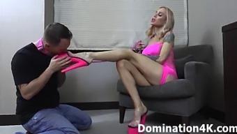 Foot Worship With Mistress Sarah Jessie