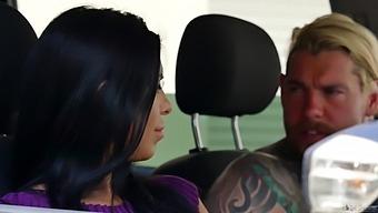 Kira Queen Fucks Taxi Driver