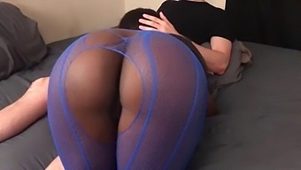 Black Teen Gets Fucked Doggy Style And Gets Creampied