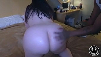 Pawg Milf Marcy Diamond Gives Tae Lit Xxx A Quickie Before She Gets Ready For Her Flight Home With Nasty Cumshot !!!
