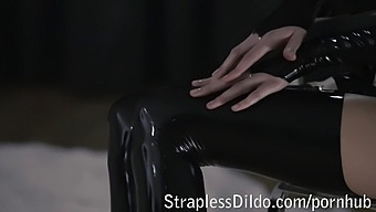 Rossy Kiss-Cleans Mia'S Latex Clad Pussy