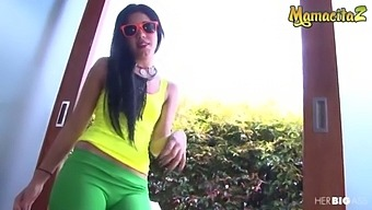 Mamacitaz - (Ariana Fuentes & Alex Moreno) Big Booty Latina Is In For A Hard Pounding Sex