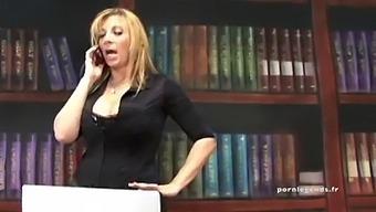 Sara Jay Embauche Un Assistant Et Le Teste Dans Son Bureau !