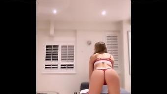 Horny Milf Candy Alexa Getting Orgasm In Bath