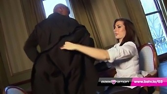 Paige Turnah Gets The Cleaners Bbc At Babestation