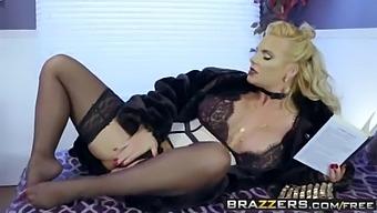 Brazzers - Milfs Like It Big - The Cock Starved Slut Scene Starring Phoenix Marie And Danny D