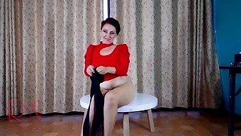 Nice Lady In Pantyhose And Heels. Striptease At The Round