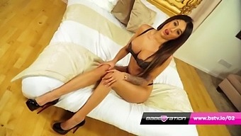 Booty Heaven With British Indian Preeti Young