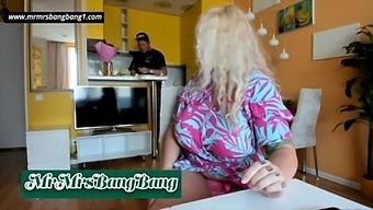 Amateur Couple Chaturbate Cams Mrmrsbangbang1 08.09