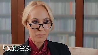 Babes - Milf Psychologist Brandi Love Lets Convict Seth Gamble Fuck Her