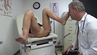 Obgyn Doctor Examines Feet, Get Fj