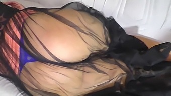 The Stepmom Licked The Penis And Allowed Anal Sex