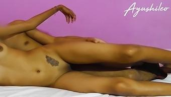 Sri Lankan School Girl Riding A Dick On Spa ස්පා කෙල්ල ඇග උඩට අරන් පැද්ද
